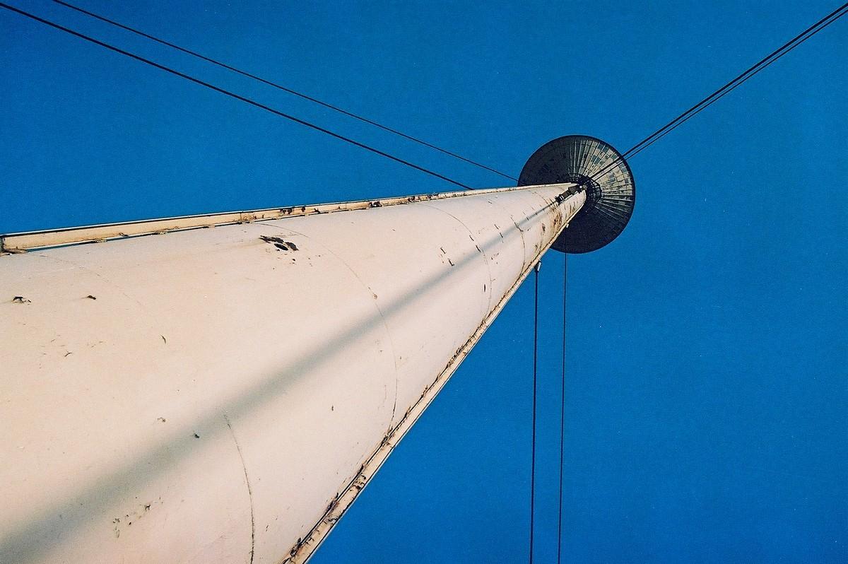 Wieża ciśnień w starym zakładzie Huty Ostrowiec, fotograf Paweł Litwin