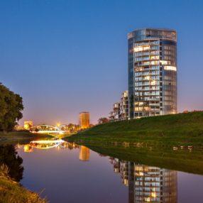 Capital Towers Rzeszów, widok od Mostu Zamkowego, fotograf Paweł Litwin
