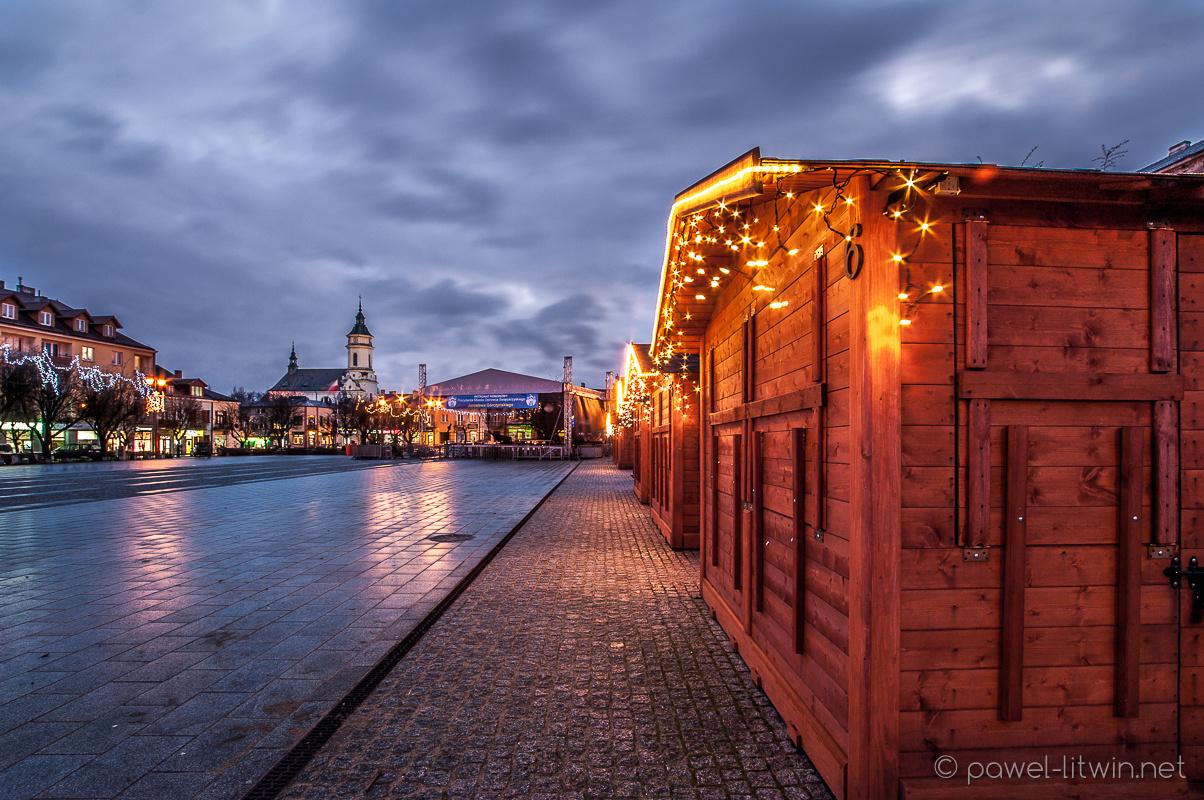 Ostrowiec Świętokrzyski, rynek, Grudzień 2016, fotograf Paweł Litwin